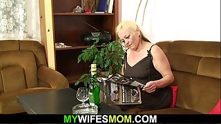 Hairy blonde mother in..