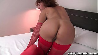 Hot granny in stockings rubs..