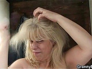 Blonde granny gets screwed..